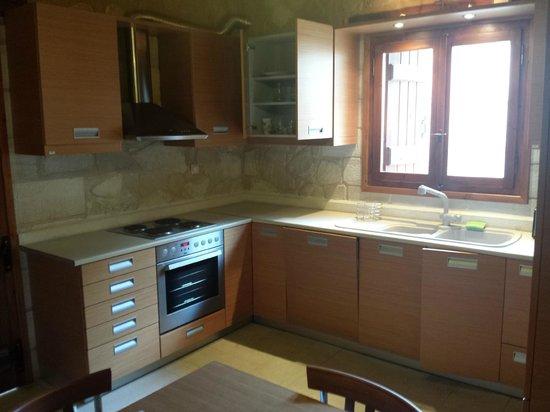 Spilia Village Hotel : Kitchen