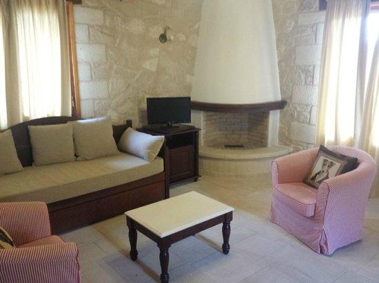 Spilia Village Hotel : Living Room