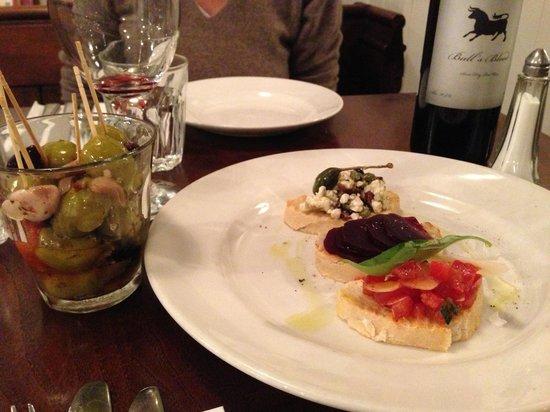 Atina Kitchen: bruschetta