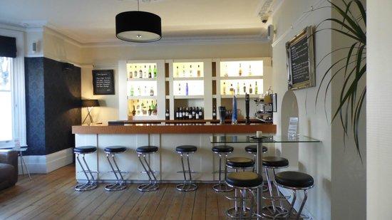 Andover House Hotel: bar