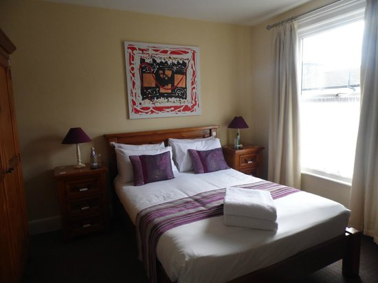 Andover House Hotel: bedroom