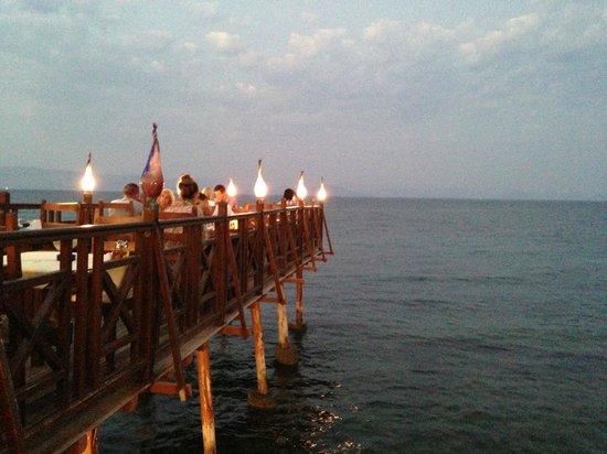 Kaizer Bridge Restaurant: Can't beat this view