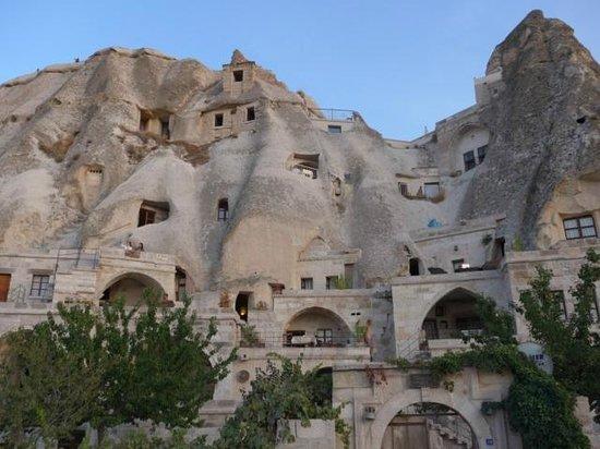 Village Cave House Hotel: ホテルの外観
