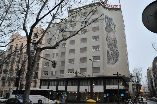 AC Hotel Carlton Madrid: 外観