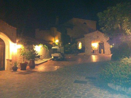 Cruccuris Resort : Un aperçu du complexe de nuit