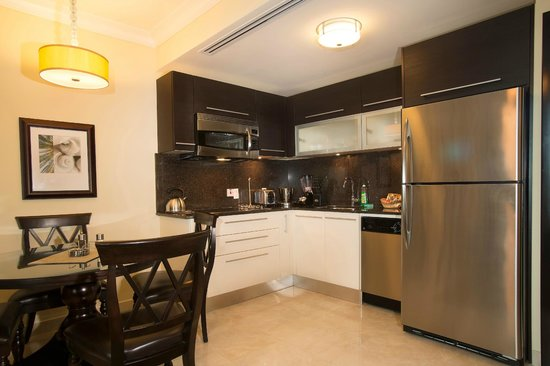 Ocean Two Resort & Residences: Kitchen - One Bedroom Ocean Front Suite