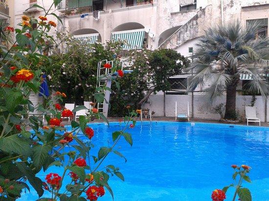 Reginna Palace Hotel: Swimmingpool