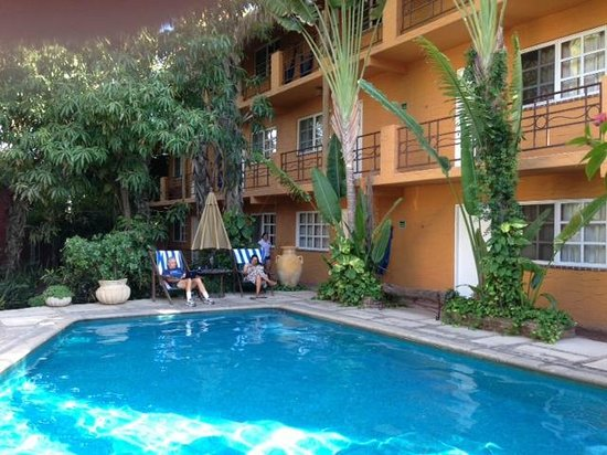 The Bungalows Hotel : The Bungalows pool and some rooms