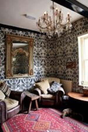 The Black Rat : The Lounge