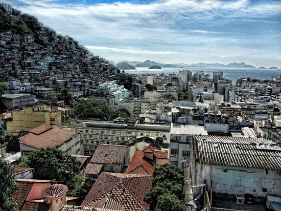 Pousada Favela Cantagalo: View from breakfast terrace