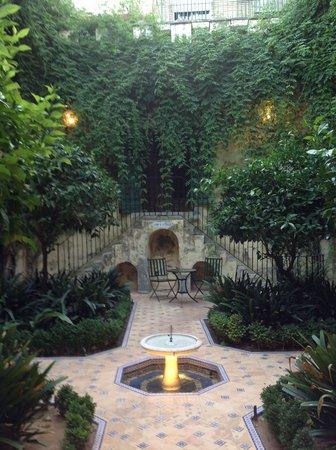 Las Casas de la Juderia : un des nombreux patios de l'hotel
