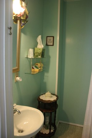 Sally Webster Inn: Bathroom