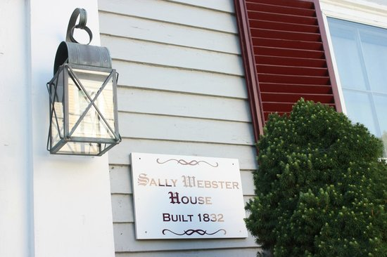 Sally Webster Inn : New England style exterior.