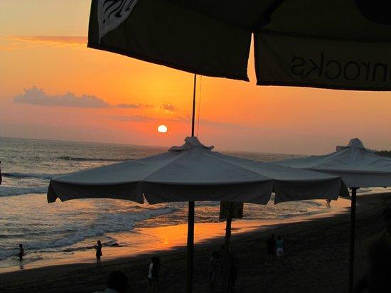 Echoland: Sunset on Echo Beach