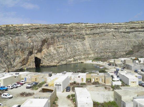 Blue Hole: Dwejra Bay - Inland sea