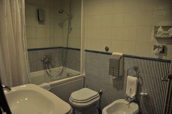 โรงแรมเบสท์เวสเทิร์น อาร์ตเดโก: Artdeco-Bathroom