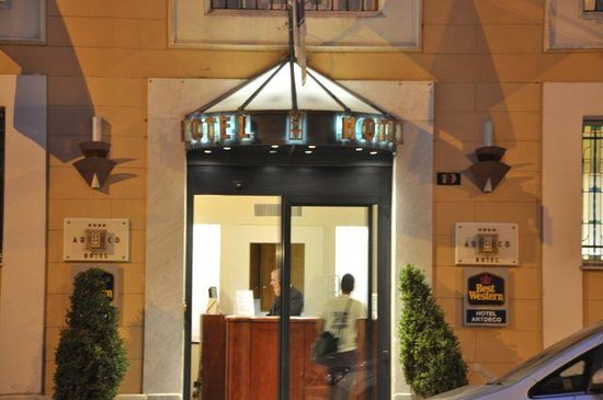 โรงแรมเบสท์เวสเทิร์น อาร์ตเดโก: Artdeco-exterior