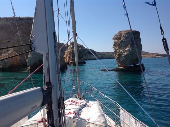 Naksos (miasto), Grecja: Βουτιά στα υπέροχα νερά στο Κάτω Κουφονήσι