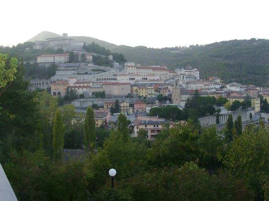 Hotel Villa Stella: vista di Cascia dalla camera