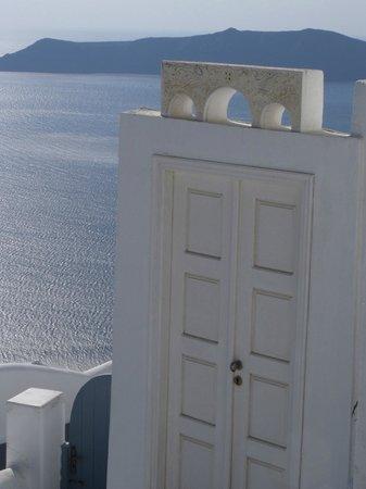 Aeolos Studios & Suites: *