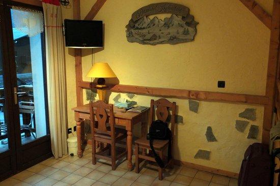 Hotel les Ancolies: le coin bureau