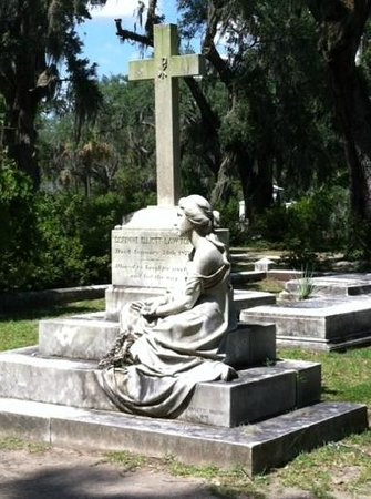 Blue Orb Savannah Ghost Tours: Grave with one of the best stories behind it!