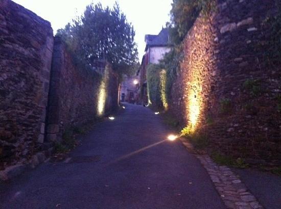 Rochefort-en-terre : une des sublime petite rue du village