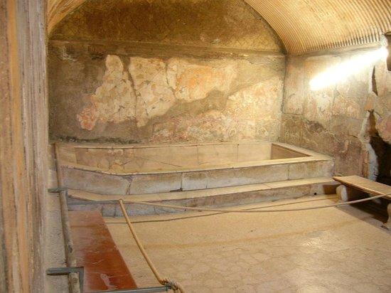 Ruins of Herculaneum: Warmbaderaum der Frauentherme