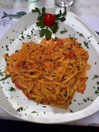 Trattoria Bella Venezia: Tagliolini pasta fresca al lavarello del Garda