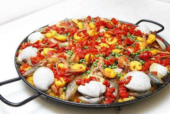 Panadería España Repostería : Paella - Cant get more Spanish than this