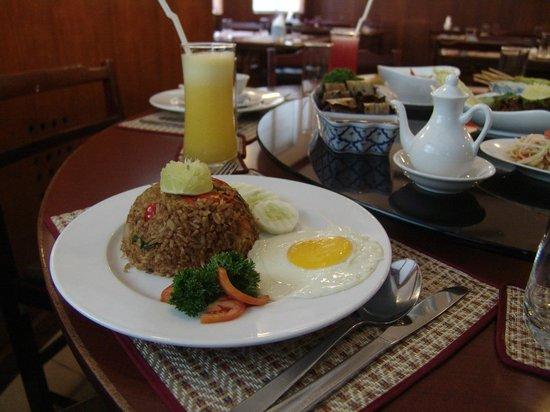 Thai Wok : best food ever..