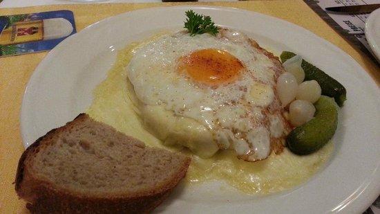 Hotel Wetterhorn : Raclette w/ Ham & Egg - Wetterhorn