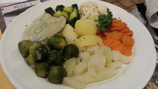 Hotel Wetterhorn : Steamed Veggies - Wetterhorn - add fresh and good!