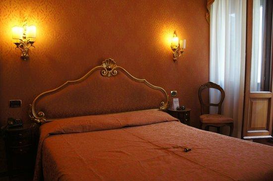 Hotel Lisbona : Номер