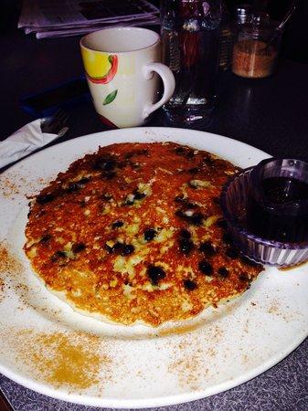 Sage's Brunch House: Blueberry walnut giant pancake