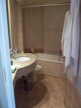 smartline Neptuno Beach : Bathroom