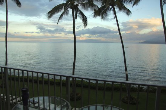 Royal Mauian: Sunrise view from lanai