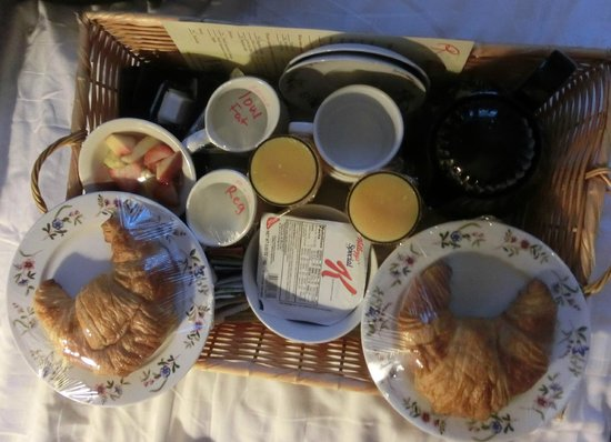 "Washington Square Inn : The Morning-tray - the best ""day-starter"""