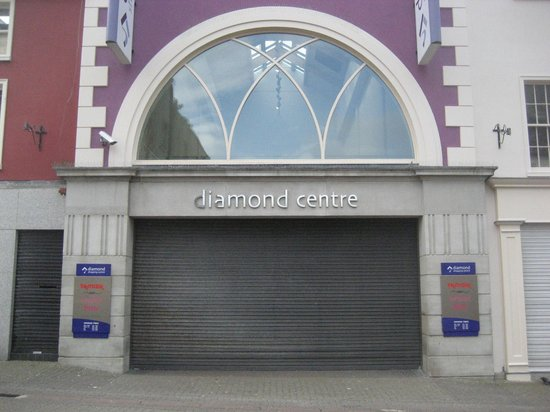 Diamond Centre: Very inviting!!!