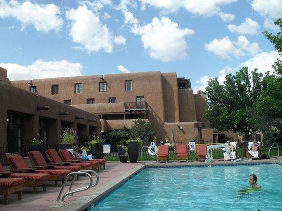 Inn and Spa at Loretto : Pool Area