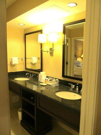 Sheraton Suites Plantation, Ft Lauderdale West: Standard suite bathroom