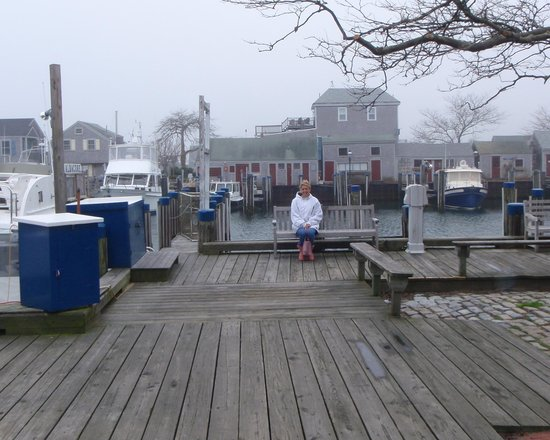The Cottages at Nantucket Boat Basin: The docks across from our Nest