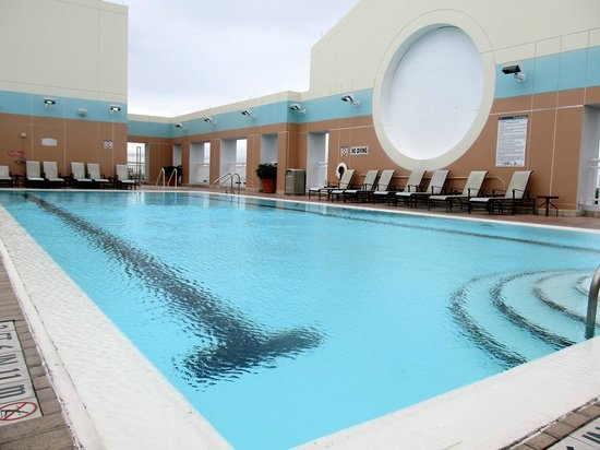 Sheraton Suites Fort Lauderdale Plantation : Rooftop pool