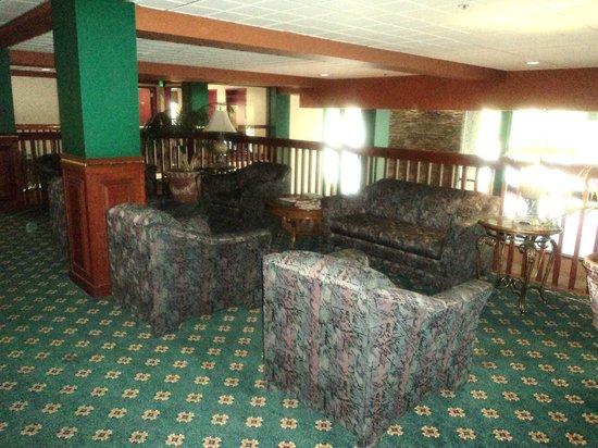 Rogue Regency Inn: Upstairs sitting area