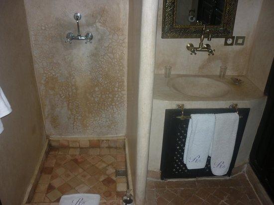 RIAD HERMES: salle de bain