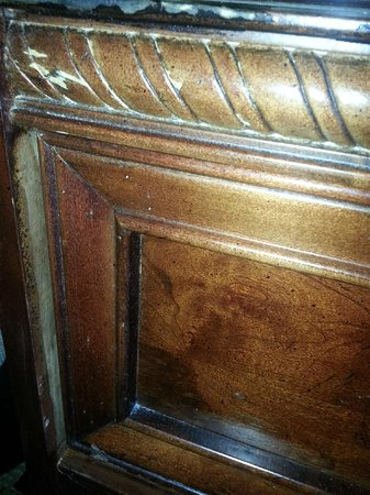 Sheraton Pentagon City Hotel: Unsightly furniture