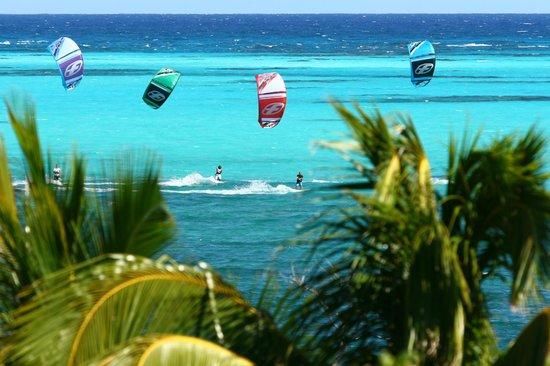 B52 Kitesurfing School