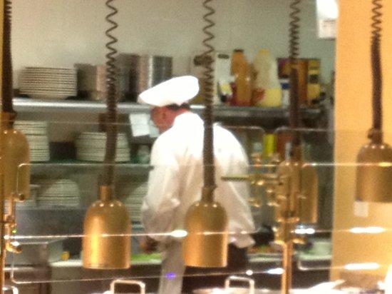Hilton Garden Inn Dover: chef at work