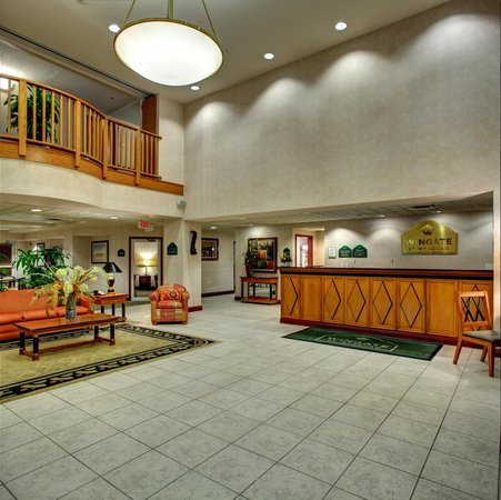 Wingate by Wyndham Fort Lauderdale Miramar: our beautiful lobby