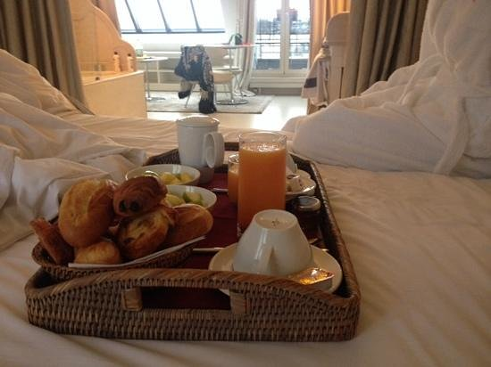 Breakfast in bed picture of hotel de banville paris for A bed and breakfast